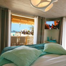 The sea calls you as soon as you wake up from our Tiki Lounge Beach 3 Bedrooms